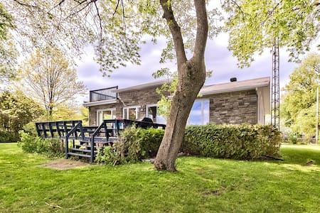 Beautiful 3BR house on the Lake Champlain