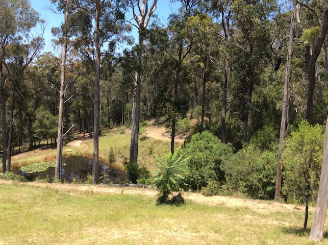 Close to beaches in quiet setting - Bermagui - Huoneisto