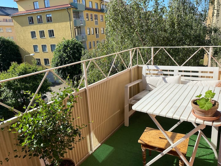 Stylish and comfortable home with balcony