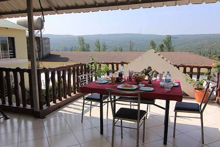Private Forest View Family Room 1 - Mahabaleshwar
