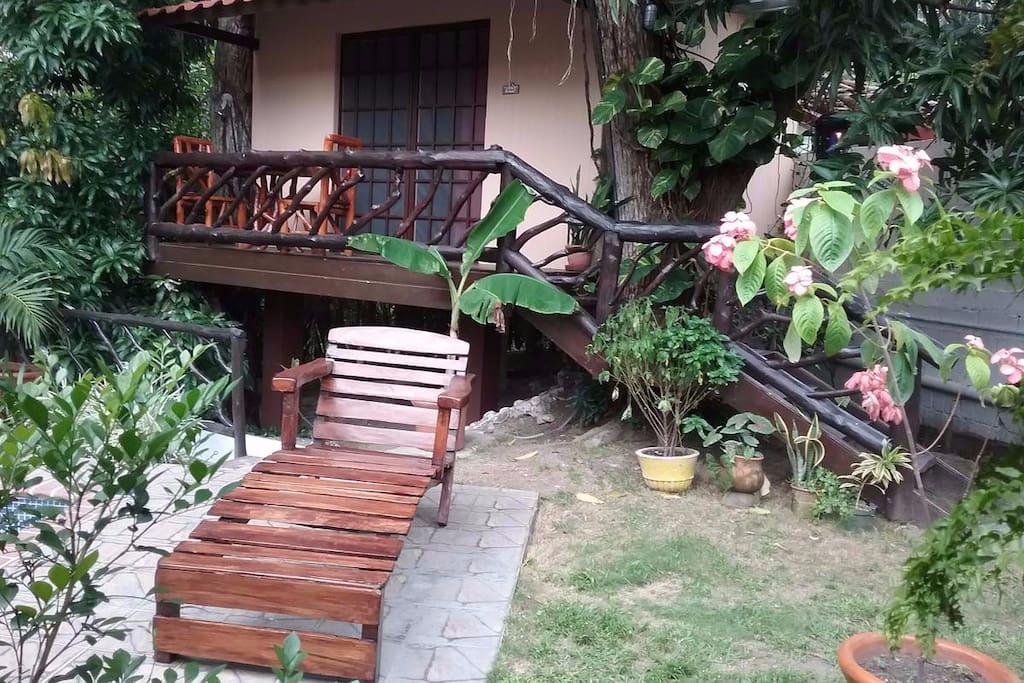 Charming house lovely oasis in heart of panama casas for Alquiler casa arbol