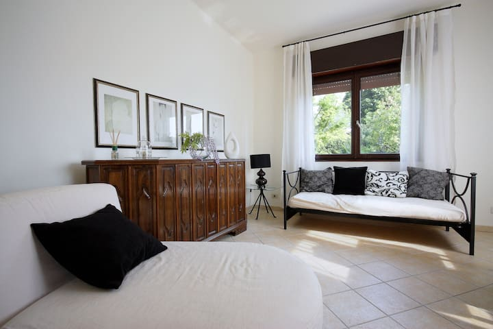 Luxus apartment few steps from Lake and the beach