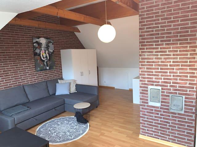 Schnuckeliges Dachgeschoss-Apartment in Köln