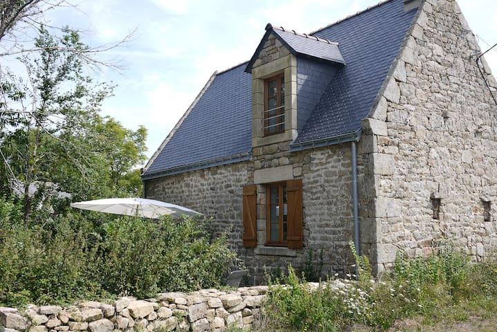 Maison indépendante et jardin, avec vue sur la mer - Locoal-Mendon - Casa