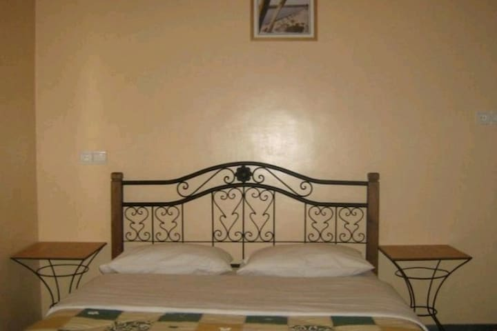 Hotel diyar Timnay confortable personnel sérvaible