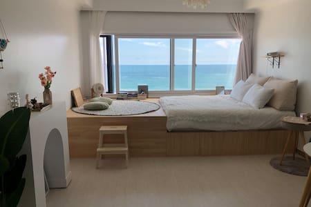 해[海]요일/바다 보는 날/바다위에 누워 휴식/재충전이 필요한 시간