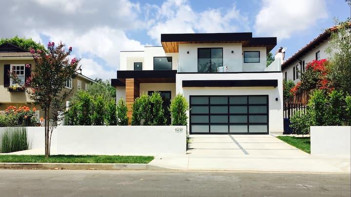 5 Star Modern Luxe House