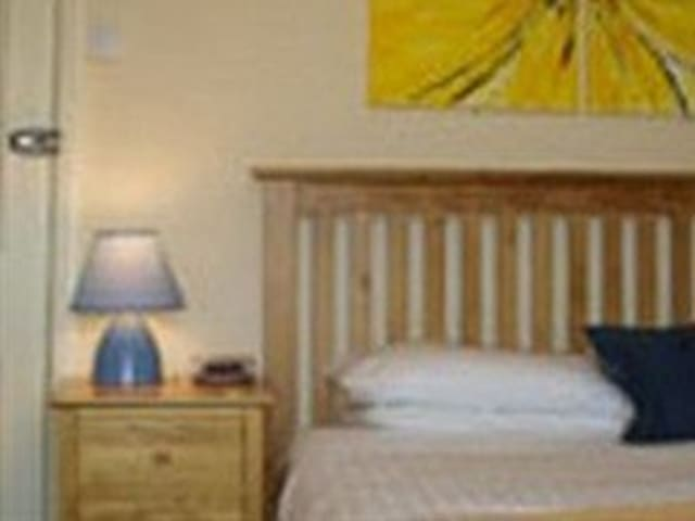 Single room-Standard-Ensuite-Room 11