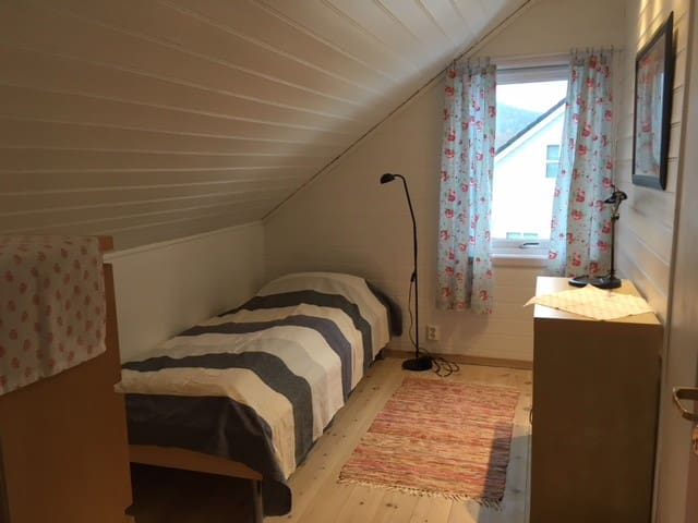 Central, small flat with two bedrooms