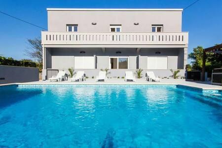 Villa rosa is located in pomer - Pomer