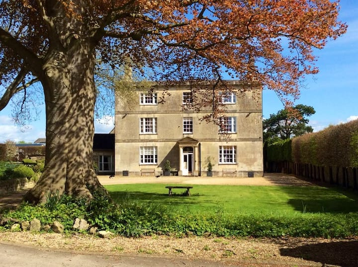 Superking/twin. Crudwell House, North Wiltshire
