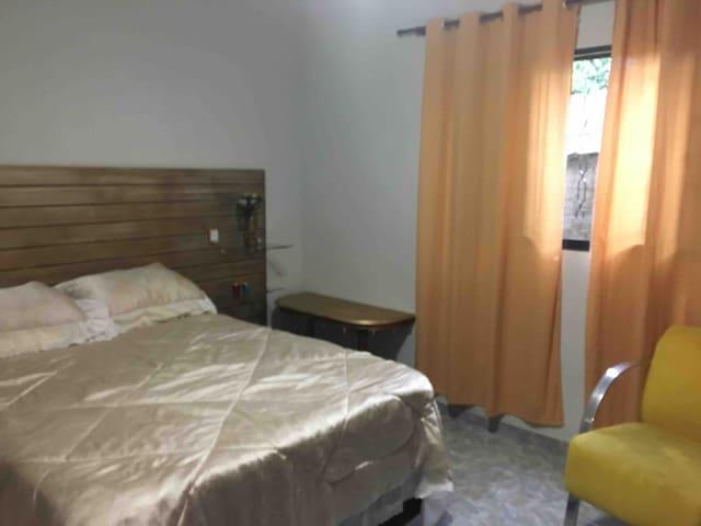 Quarto 2 da Casa (com 1 cama de casal)