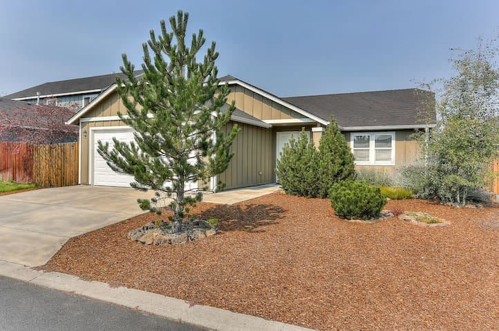 Mt Faith - 30 Day rental, Short Drive to Old Mill District