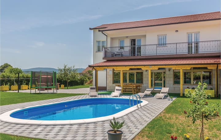 Amazing home in Glavina Donja with WiFi, 3 Bedrooms and Outdoor swimming pool