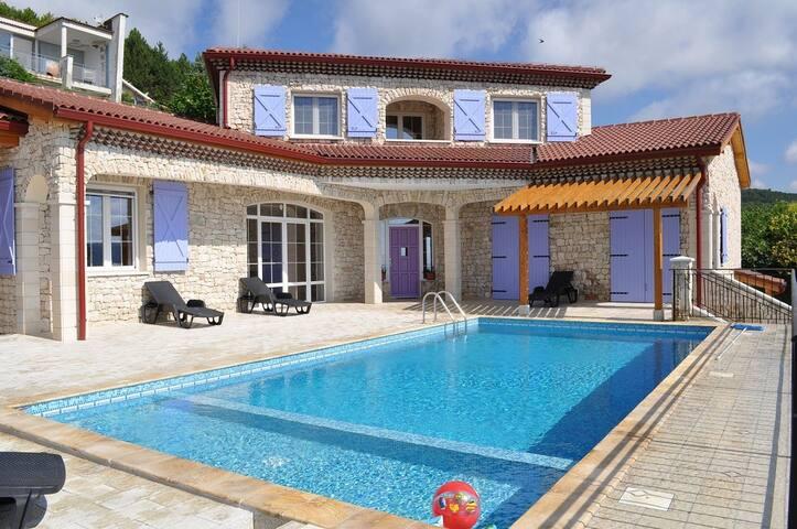 Villa Lavandin near Albena resort