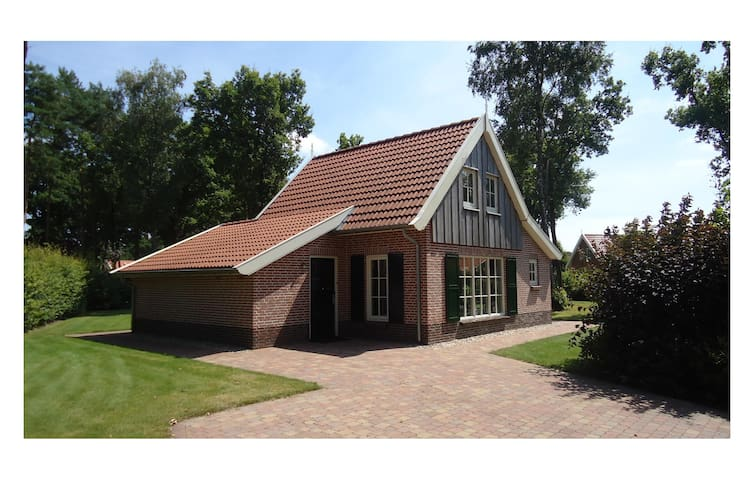 Holiday cottage with 3 bedrooms on 90 m² HOV125