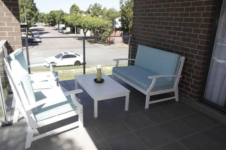 Outdoor Hamptons Lounge setting