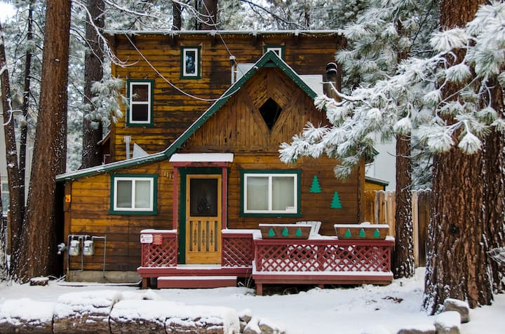 Classic Tahoe Charm! Great Location-Dog Friendly!
