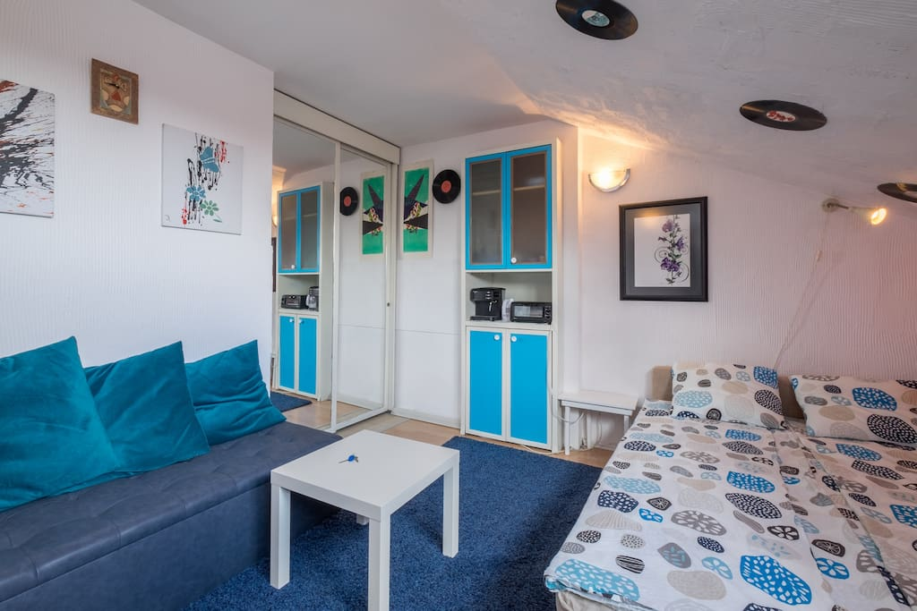 You have storage space and a kitchenette. Super big wardrobe behind the mirrors!