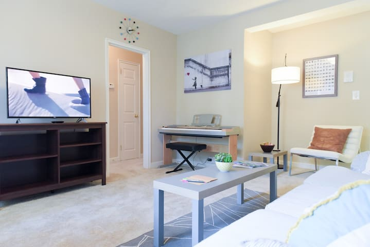 ★Walk to Ballston Metro | Convenient | Cozy| 1BR★