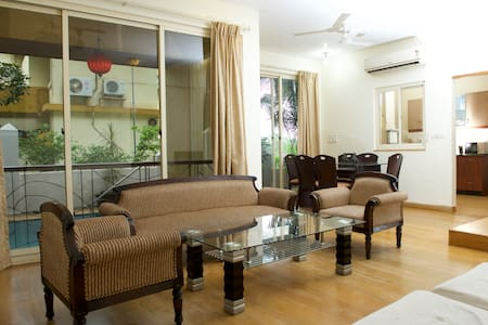 LUXURY 4 BHK VILLA 2 WITH PRIVATE PLUNGE POOL - Guirim - Huvila