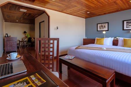 Pakse Hotel - Mini Suite River view