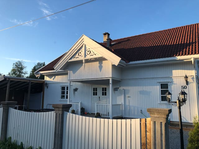 Villa by the water, 35 min from Oslo