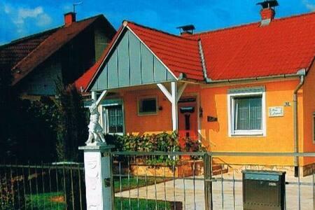 Ferienhaus am See Angel -, Badeparadies See/Therme
