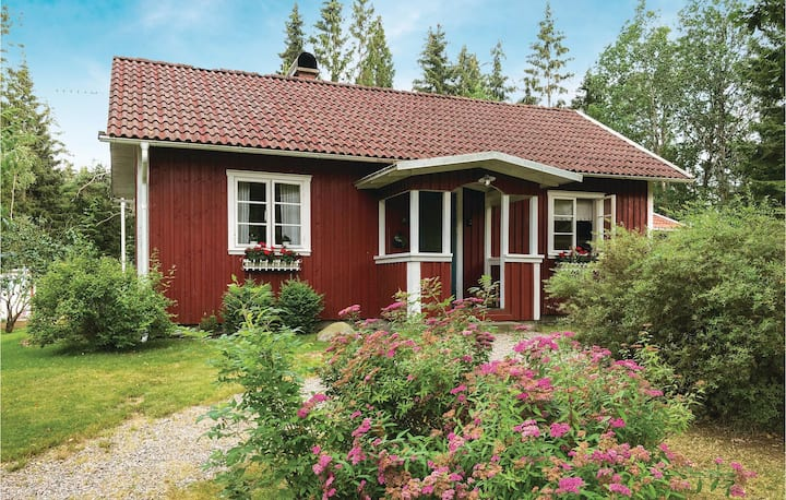 Awesome home in Horred with Sauna and 2 Bedrooms