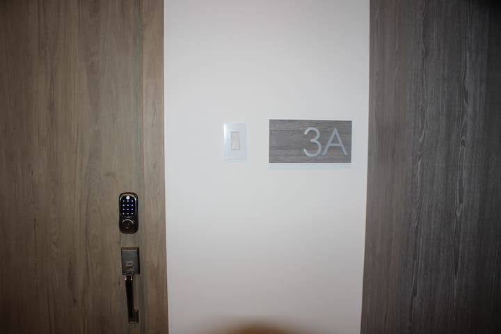 Entrance with smart lock