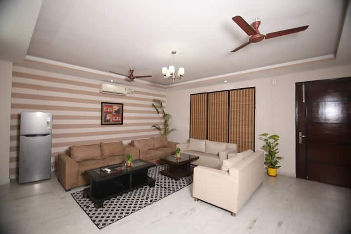 4 BHK Apartment Nr Two Horizon Bldg With Big Hall