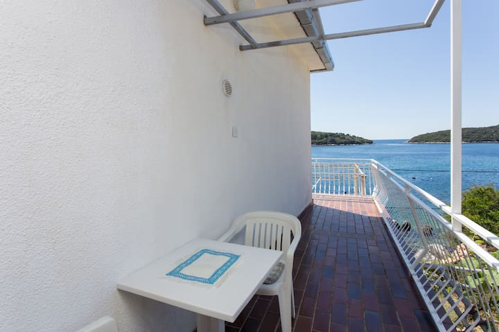 House Rašica - Double Room with Balcony & Sea view