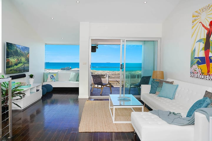 Perfect Beach Front Duplex - The Entrance North