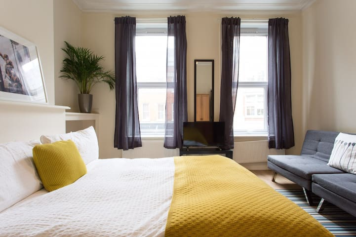 Big Central Room near Russell Square!