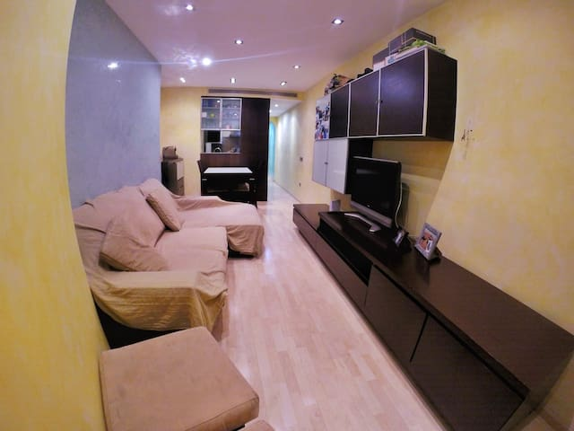Cozy double room in Barcelona