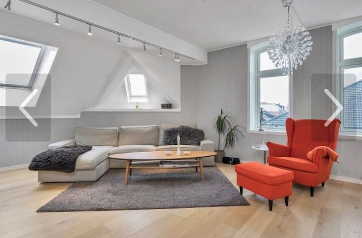 ATTRAKTIV LOFTSLEILIGHET NÆR BYSTRANDA - Kristiansand - Wohnung
