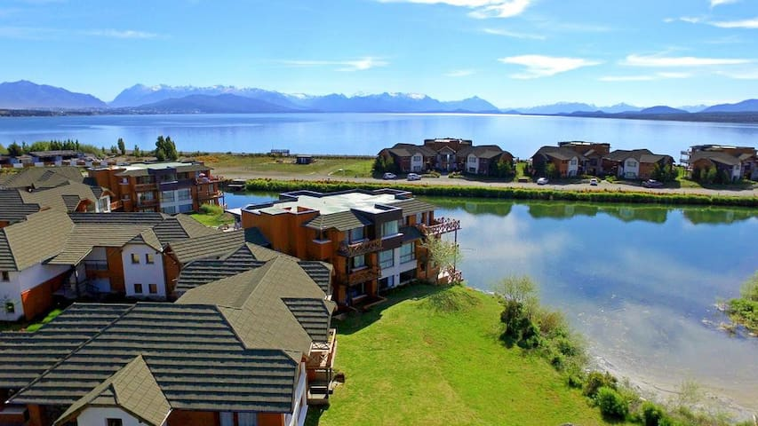 Bell simo loft con costa de lago y piscina lofts en - Piscina san carlo ...