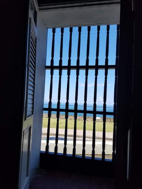 Tranquil Studio, Old San Juan in front of Ocean!