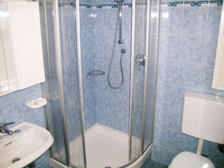 bagno della camera n1