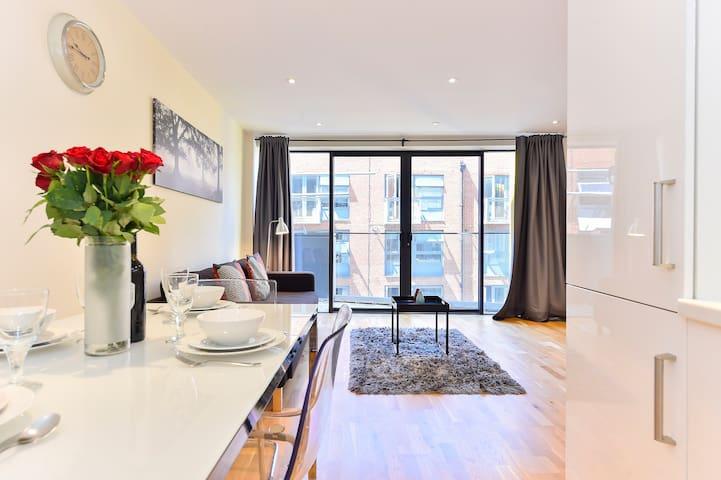 Tanner Apartment