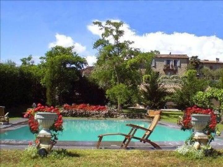 Luxury villa in Monteriggioni (Siena)