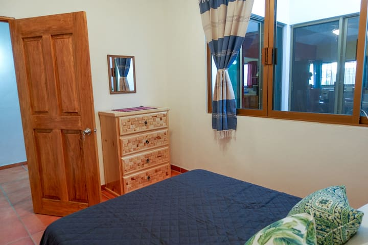 3rd bedroom with 1 full size bed.