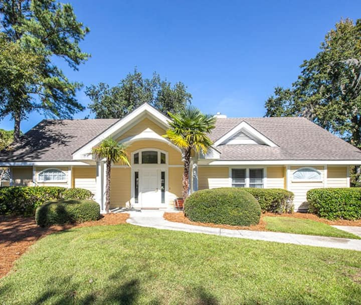 Beautiful 2000 sq ft bungalow on Hilton Head Is