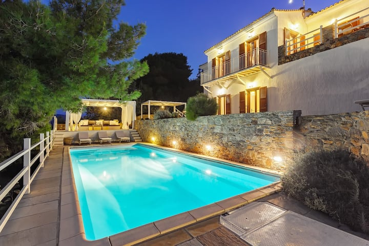 FILOMILA POOL VILLA on Skopelos island