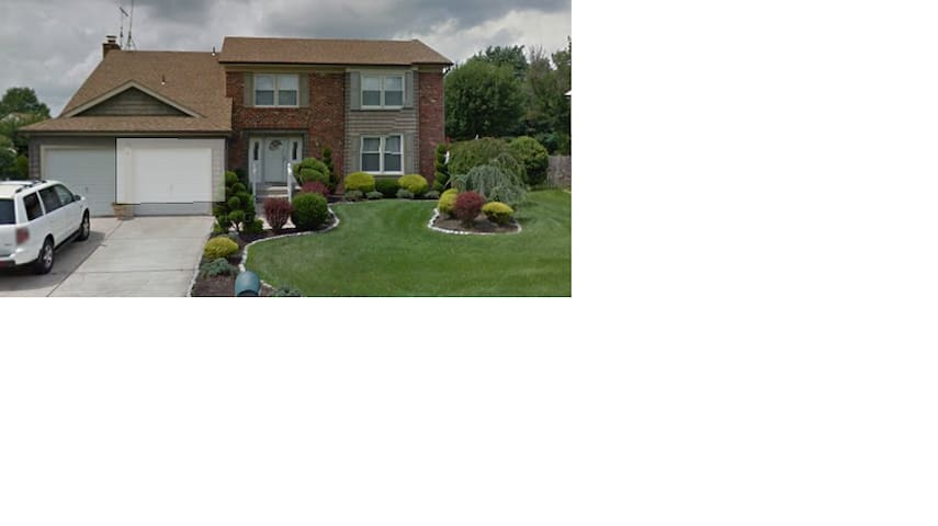 Private 2nd  Floor Bed Room - Voorhees Township - Ev