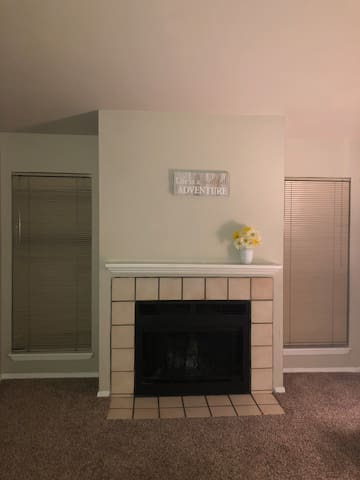 Classic Apartment in NW okc.. cozy and quiet!!