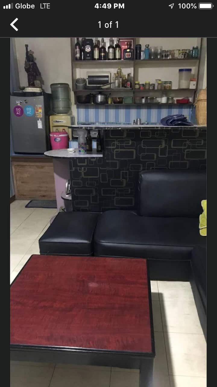 Transient/bedspace with aircon in binondo manila