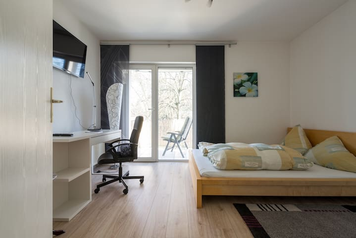 Close to airport yet quiet and cosy - Kelsterbach - Appartement