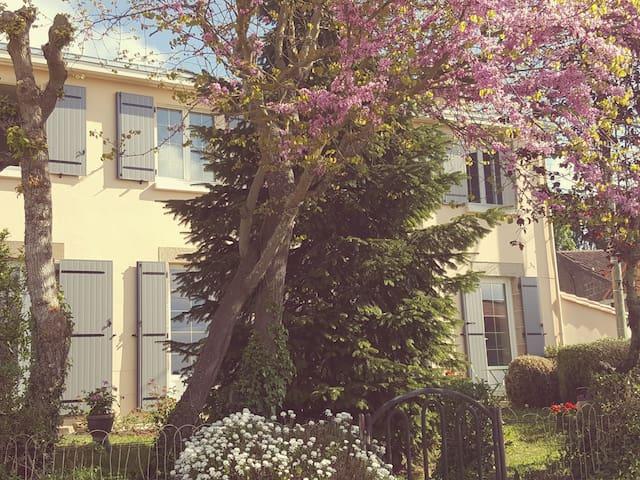 Chambre pour famille 5mn Clisson proche Puy du Fou