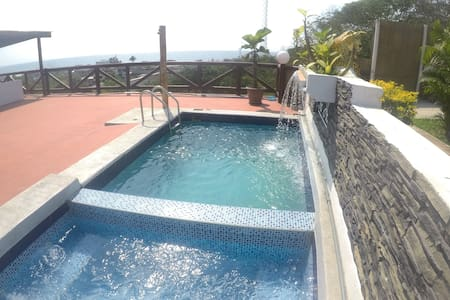 The Heights in Montanita, Penthouse Jacuzzi